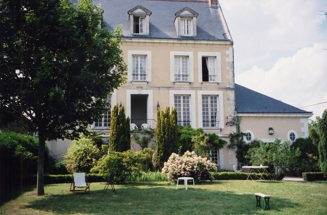 Bed and breakfast loire valley chateaux huchepie manor b b france - Chambres d hotes chateau de la loire ...